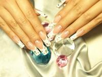 神奈川県のおすすめ美容室・ネイルサロン -  Bijoux Nail salon&school店舗画像