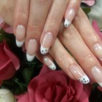東大阪市のおすすめ美容室・ネイルサロン -ネイル&まつ毛パーマ Queen クイーンの画像